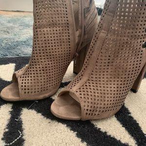 Catherine Malandrino Mowglious open toe booties